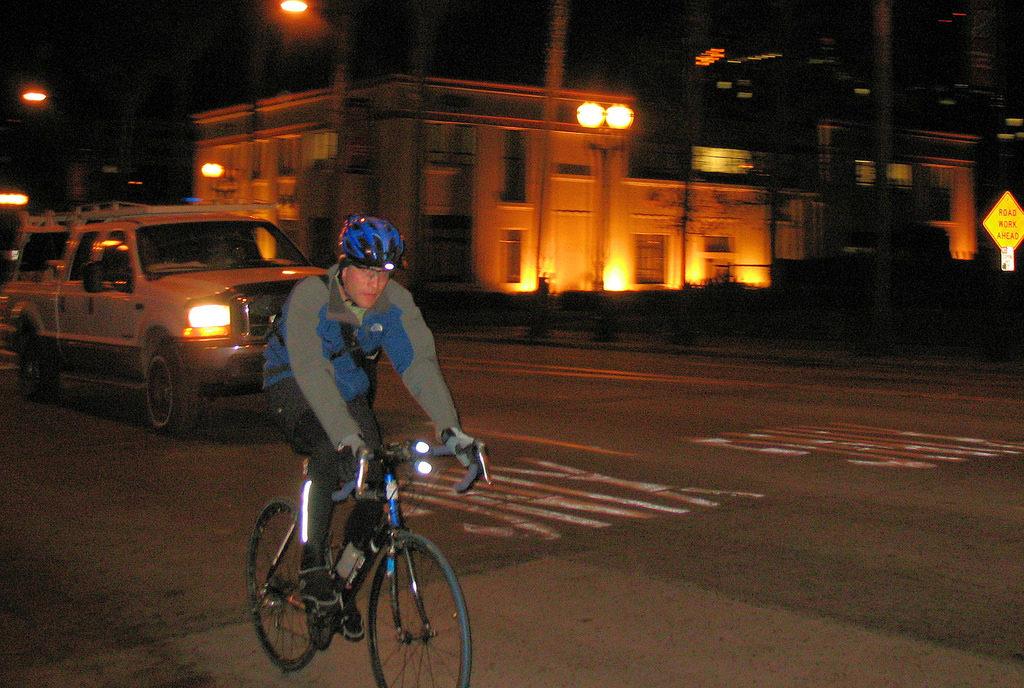 hi vis cycling and night visibility